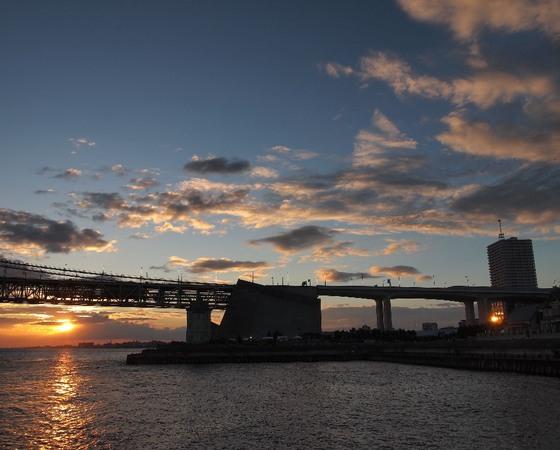 8月上旬の明石海峡の夕日.jpg